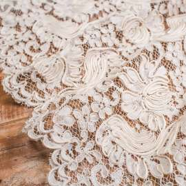 DOUBLE SCALLOPED HEAVY CORDED LACE IVORY