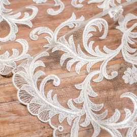 EMBROIDERED TULLE. DOUBLE BORDER. LIGHT IVORY