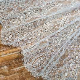 DOUBLE SCALLOPED DELICATE LACE LIGHT IVORY