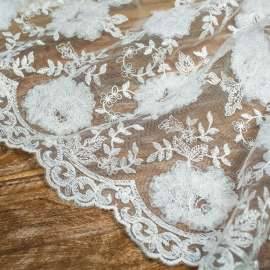 DOUBLE SCALLOPED EMBROIDERED TULLE LIGHT IVORY