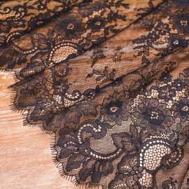 DELICATE LACE TRIM BLACK