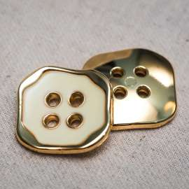 ENAMEL PLASTIC BUTTON (SOLD AS A 6 PIECES PACK)